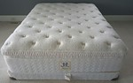 Very clean queen mattress