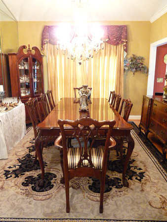 Lexington Dining Table And Chairs