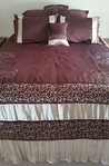 Like new queen bedding
