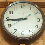 G.E. bakelite school house/government clock