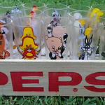 Immaculate Pepsi Looney Tunes character glasses