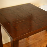 Expandable pub table w/built-in leaf